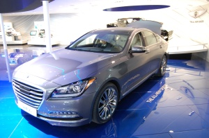 Hyundai Genesis Achieves Highest Safety Rating from IIHS for 2015